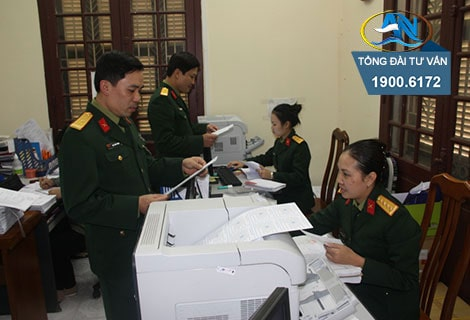 vo quan nhan co phai bat buoc tham gia bhyt theo doanh nghiep khong 3