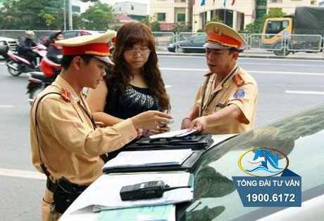Không xuất trình được giấy phép lái xe ô tô