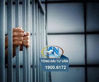ly hôn với chồng đang chấp hành hình phạt tù