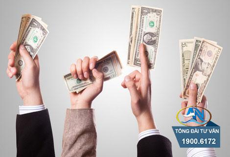 Trả thêm tiền chậm trả tiền lương cho nhân viên