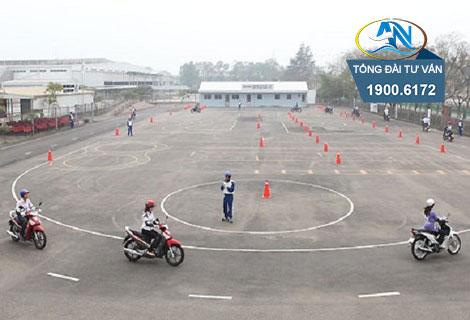 Điều kiện độ tuổi thi bằng lái xe A1