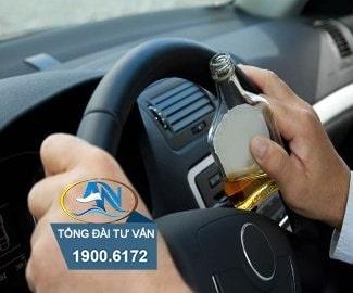 Điều khiển xe ô tô có nồng độ cồn