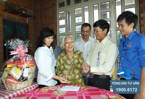 Bà mẹ Việt Nam anh hùng