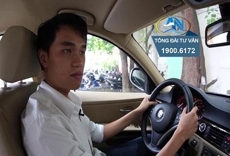 dieu khien xe o to khong that day an toan va khong co giay phep lai xe 1