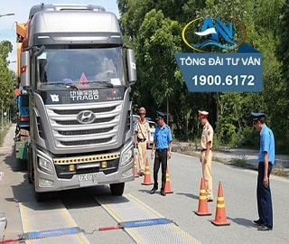 xe ô tô chở hàng vượt quá tải trọng đường