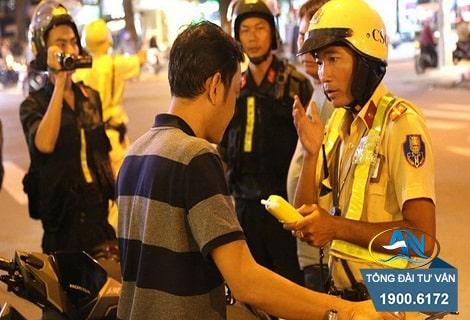 khong chap hanh yeu cau kiem tra ve nong do con cua csgt1