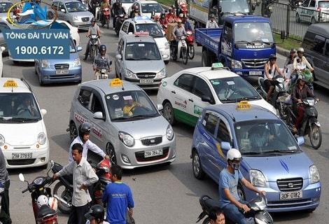 xu phat cong ty co giay phep kinh doanh van tai hanh khach bang taxi het han1