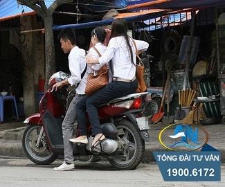 Giao xe máy cho người 14 tuổi