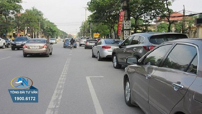 Đỗ ô tô không sát theo lề đường bên phải