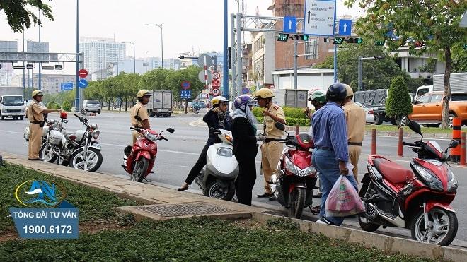 xu phat loi khong nhuong duong cho xe cuu thuong nam 2020
