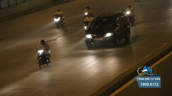 xe ô tô không sử dụng đèn