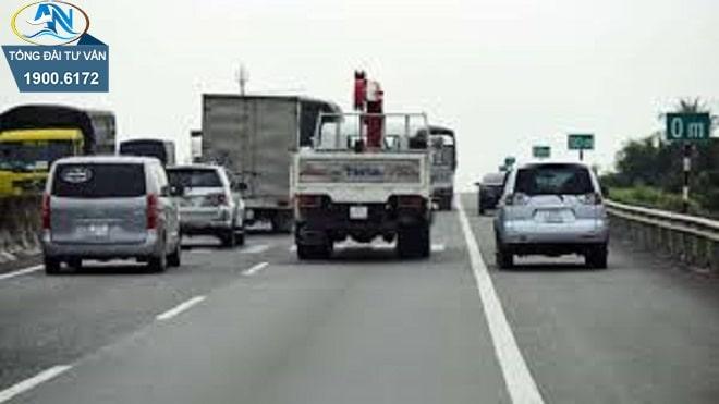 Bồi thường thiệt hại do vượt xe không đúng