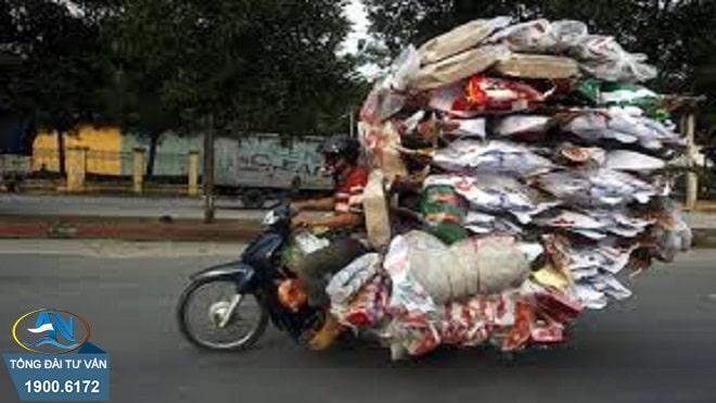 Chở hàng hóa vượt quá giới hạn kích thước