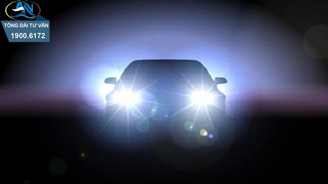ô tô lắp thêm đèn chiếu sáng ở phía trước xe