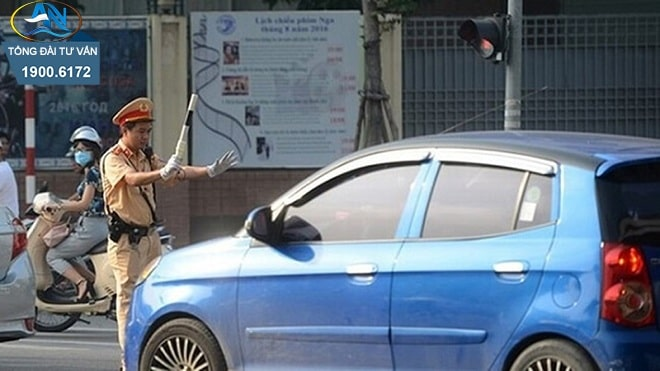 16 tuổi điều khiển ô tô tham gia giao thông