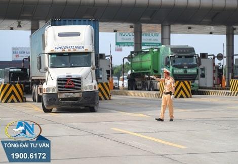 chủ phương tiện điều khiển xe quá trọng tải