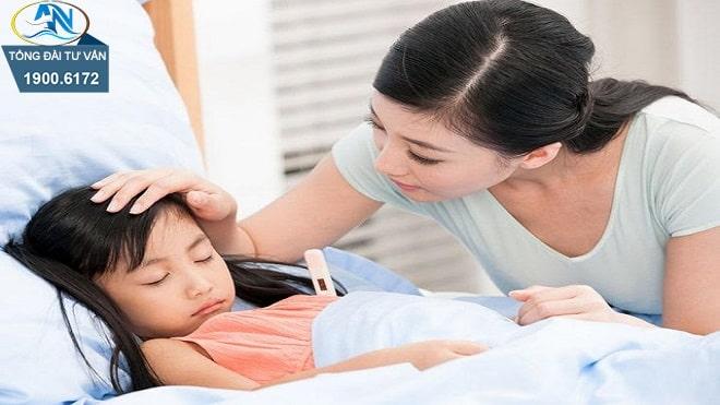 chế độ ốm đau khi cả mẹ và con ốm